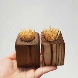 جا خلال دندان چوبی