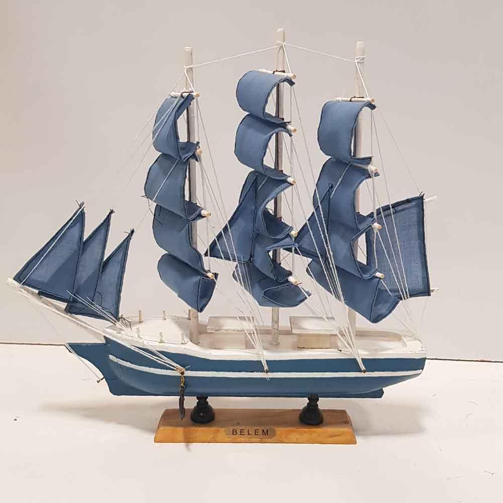کشتی 4 بادبانه متوسط