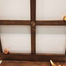 پنجره چوبی خاطرات بزرگ