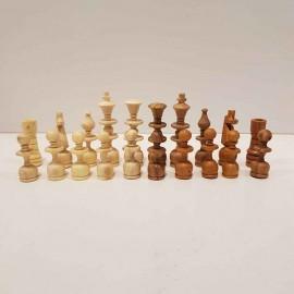 مهره شطرنج چوبی ..