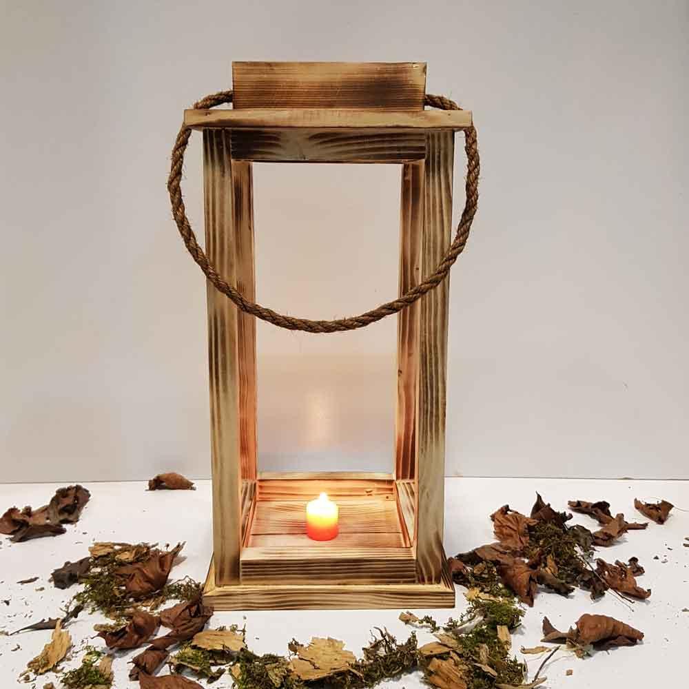 فانوس چوبی بزرگ رنگ سوخته