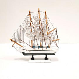 کشتی دکوری 3 بادبانه کوچک سفیدوآبی