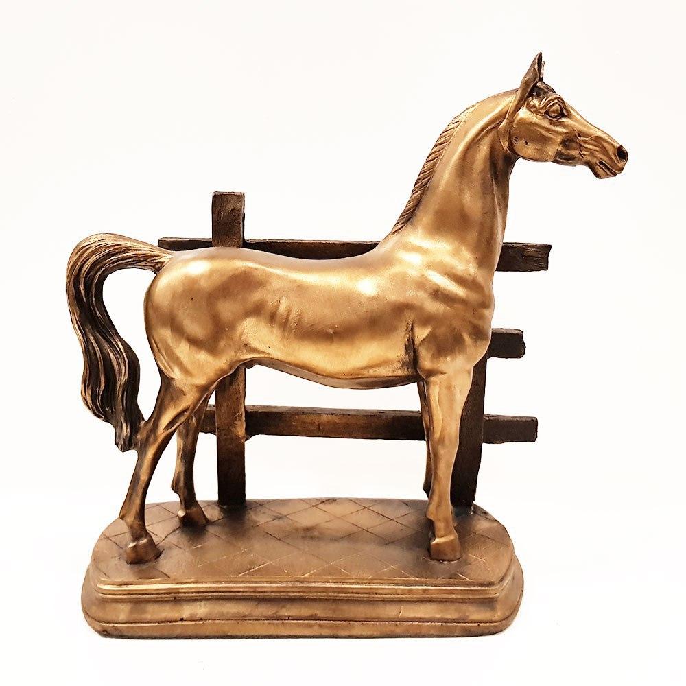 مجسمه اسب نرده ای 1